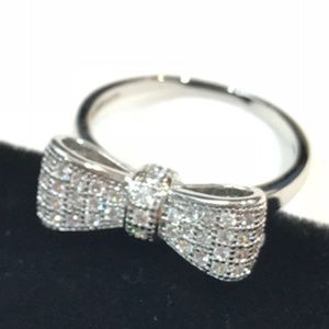 Jewelry - Sterling Silver White Sapphire Bow Know ring